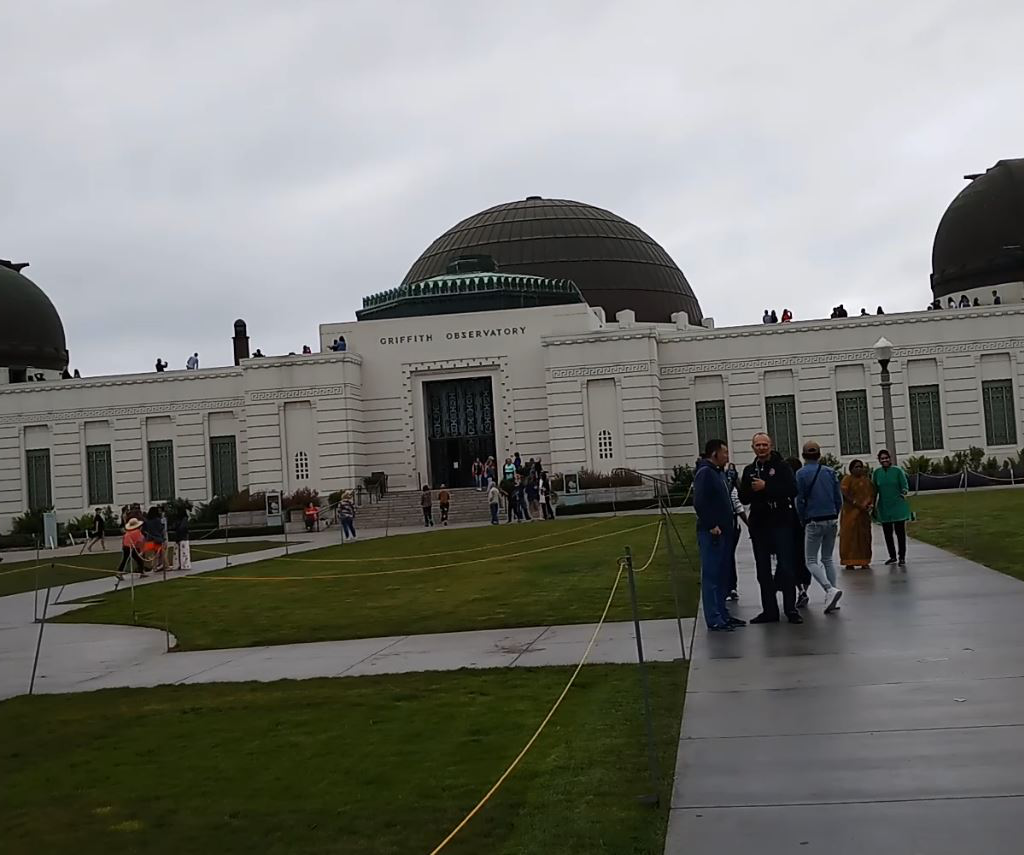 Top 13 beautiful places to visit in Los Angeles - Griffith observatory and Griffith park