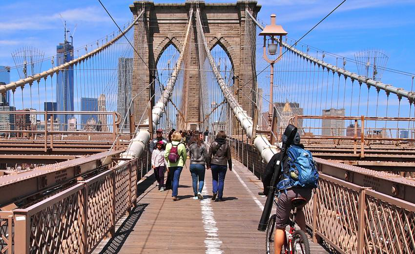 Cross the Brooklyn Bridge on a Cycle