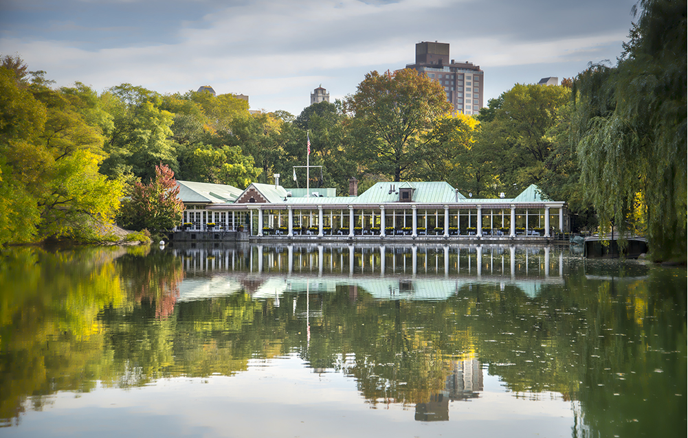 Grab a meal at the Loeb Boathouse