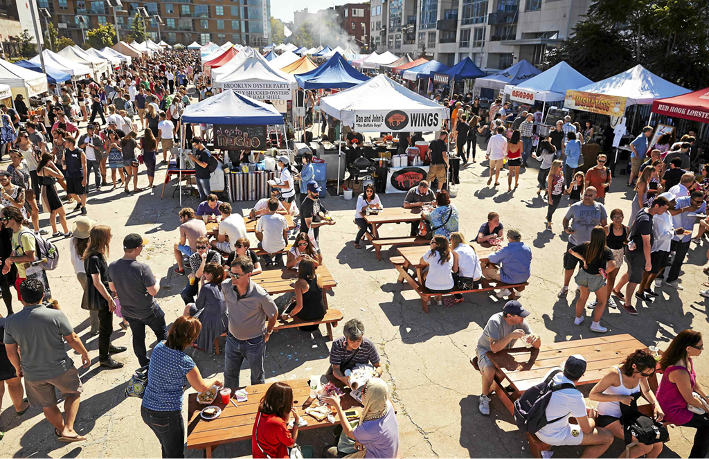 7. Grab a bite in Smorgasburg