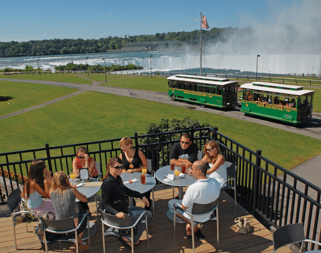 10. The Top of the Falls Restaurant :