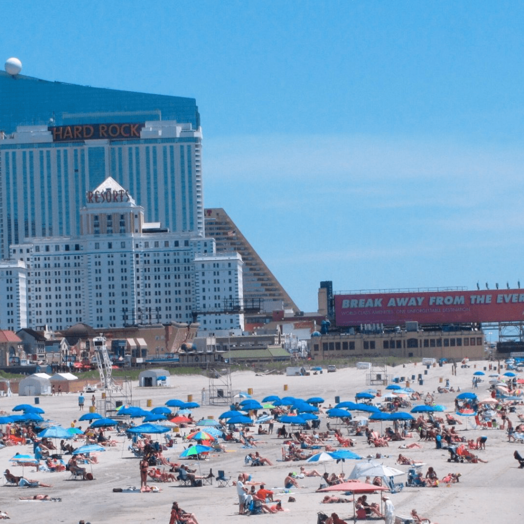 Things to do in Atlantic City in USA  : Lounge at the Beach